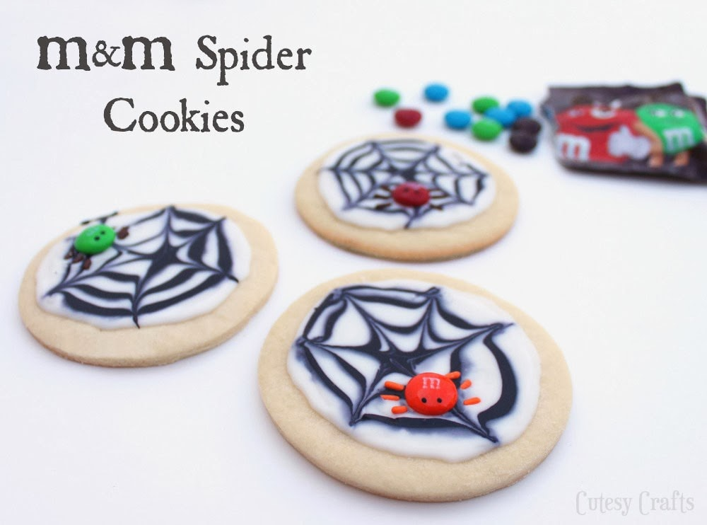 Halloween Treat - M&M's Spider Cookies