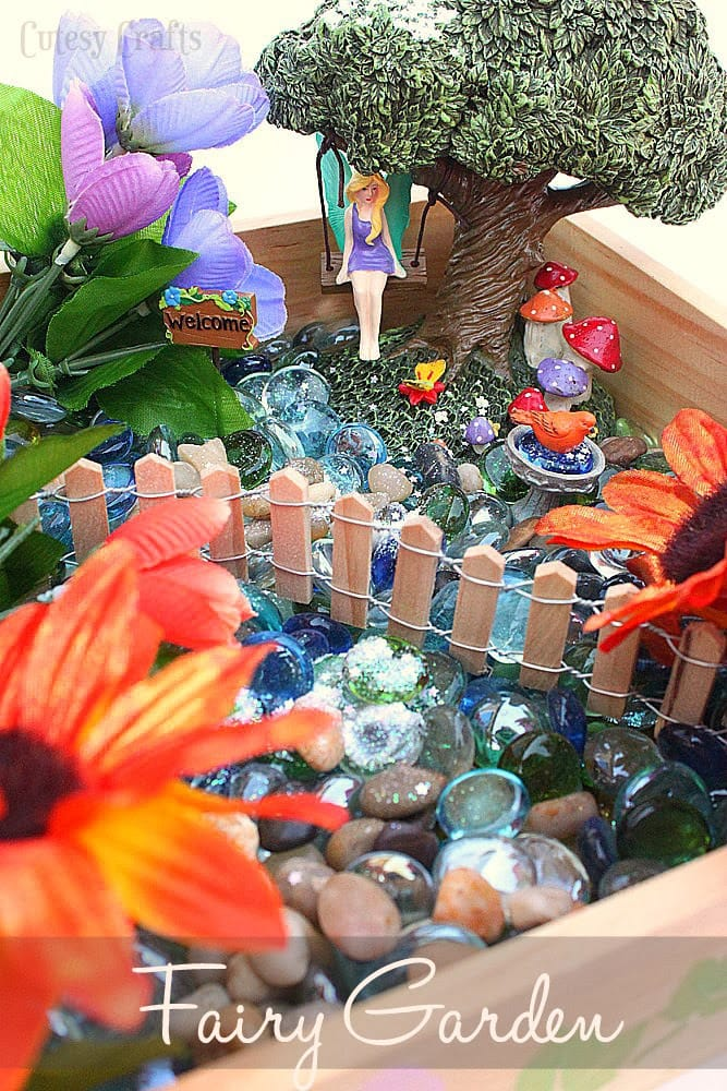 Diy fairy garden cutesy crafts for Craft ideas for fairy gardens