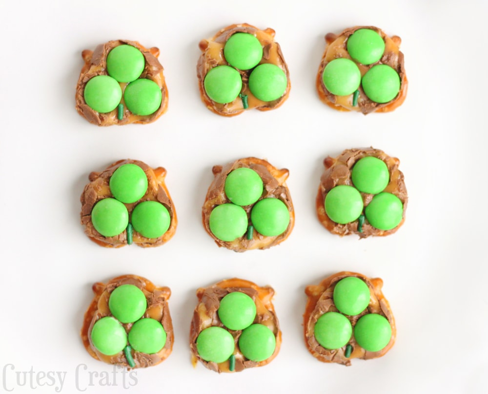 Milky Way Pretzel St. Patrick's Day Treats - A perfect St. Patrick's Day dessert to share at a class party or just for fun.