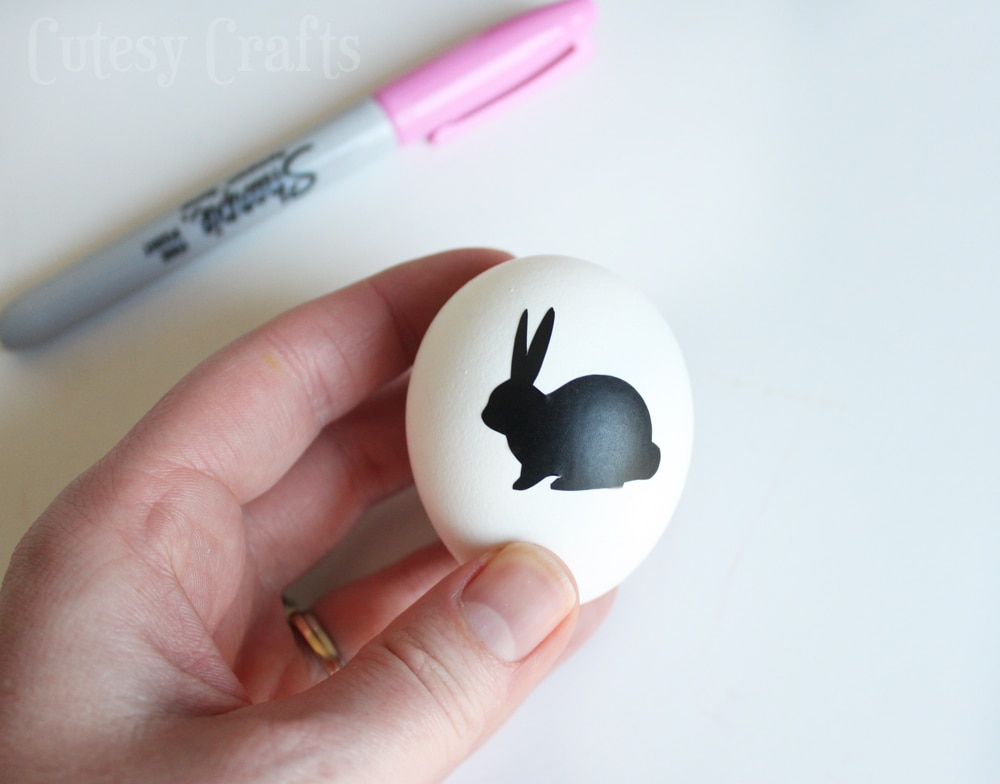 Sharpie Easter Egg Decorating Idea - Use a sticker or vinyl to make a stencil!