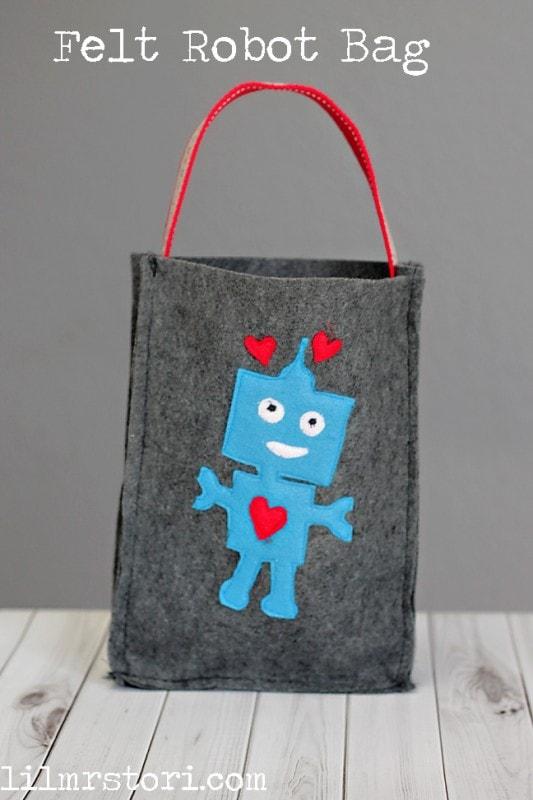 Felt Robot Bag from Lil' Mrs Tori