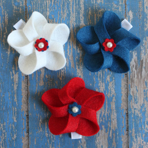 4th of July Hair Bows and a GIVEAWAY!