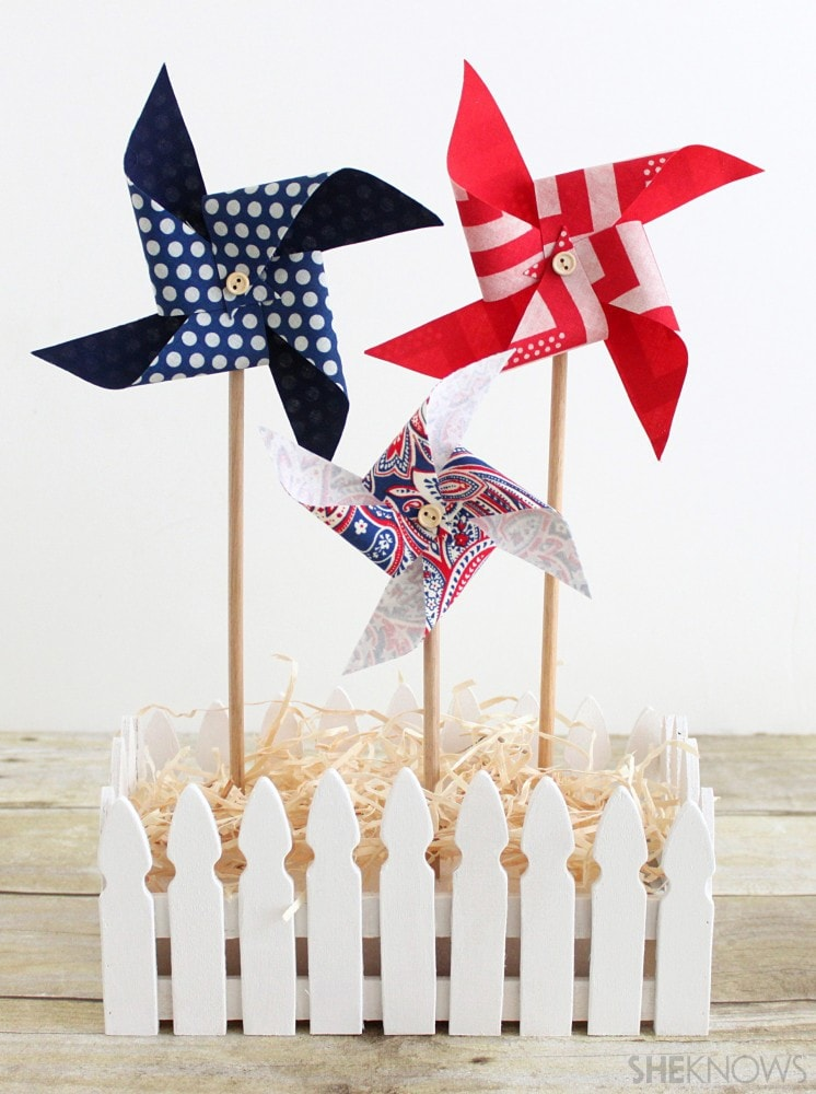 Make these festive fabric pinwheels for 4th of July