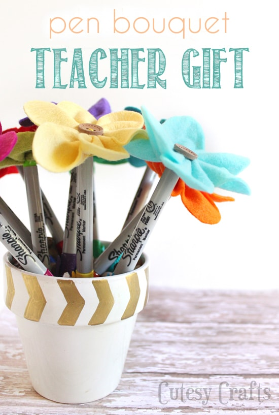 Felt Flower Pen Bouquet Teacher Gift  #StaplesBTS #PMedia #ad
