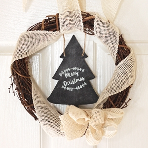 DIY Christmas Decoration – Chalkboard Wreath