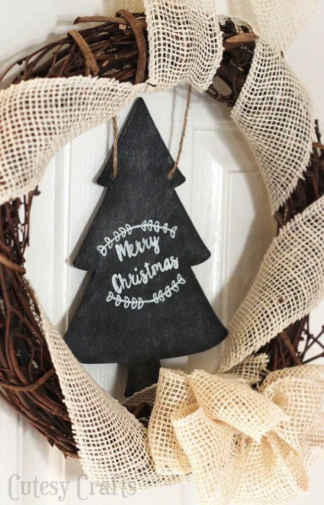 DIY Christmas Decoration - Chalkboard Wreath