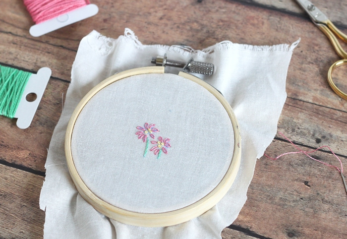 small flower embroidery pattern