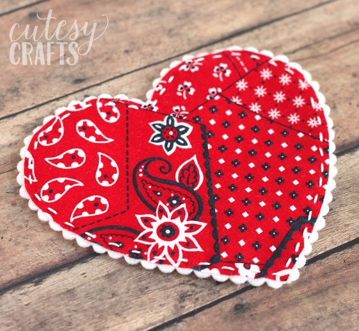 Fabric Heart Garland - A cute valentine craft idea!