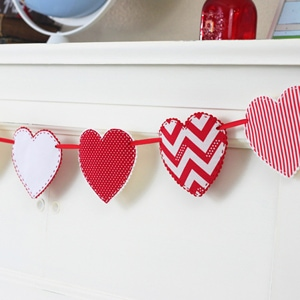 Valentine Craft Idea – Fabric Heart Garland
