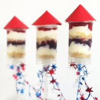 4th of July Dessert – Rocket Cheesecake Push Pops
