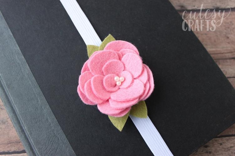 DIY Felt Flower Bookmarks