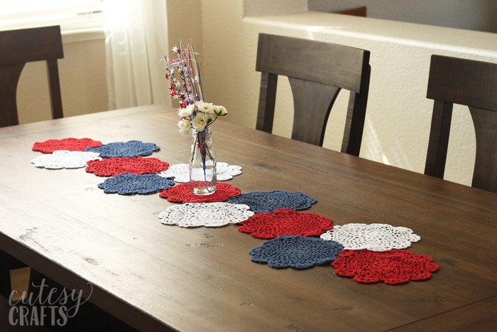 4th of July Craft - Doily Table Runner