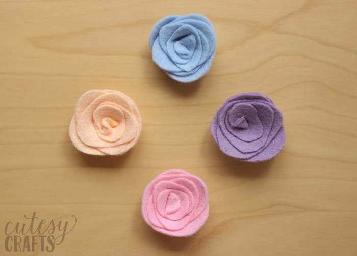 Felt Flower Magnets Tutorial