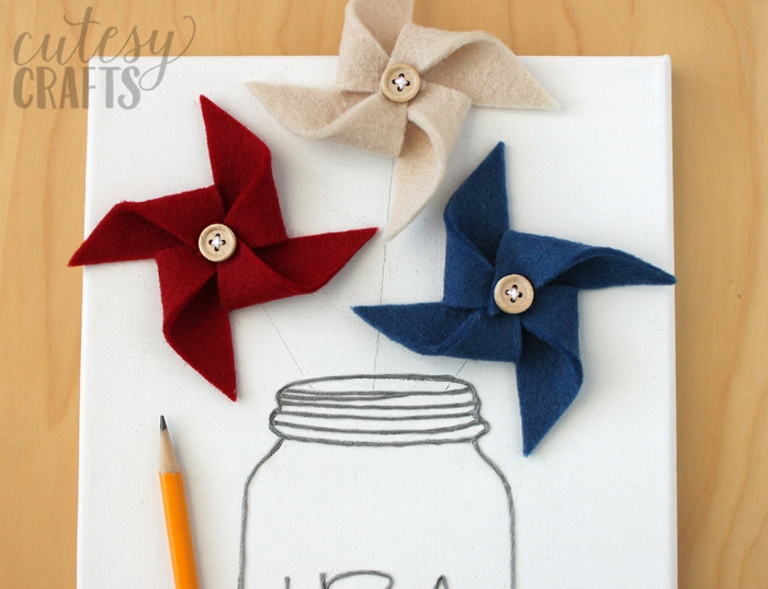 Felt Pinwheel 4th of July Decoration Tutorial