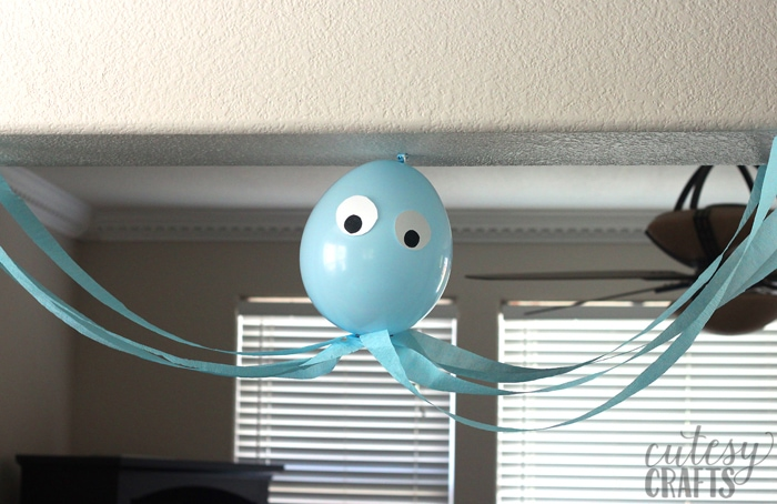 Mermaid Party Ideas - Balloon Octopus with Streamers