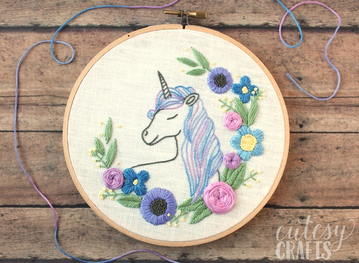 Free Embroidery Patterns - Floral Unicorn