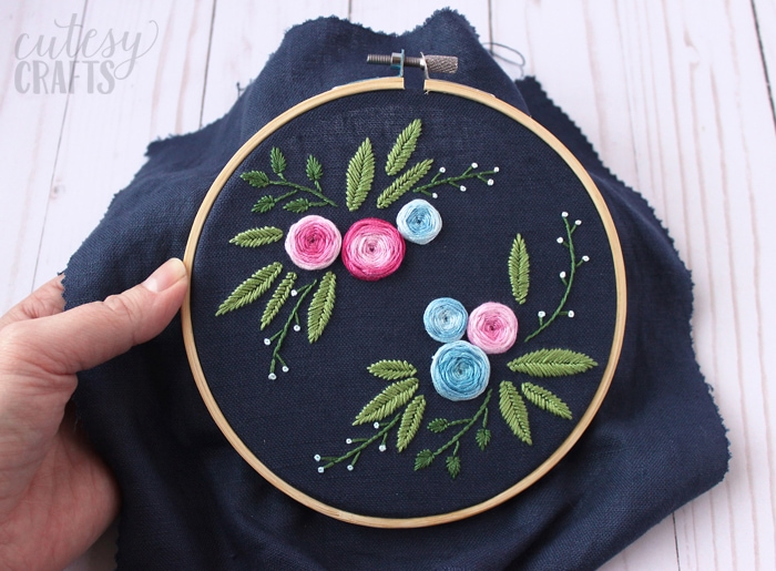Free Embroidery Patterns - Blue Floral