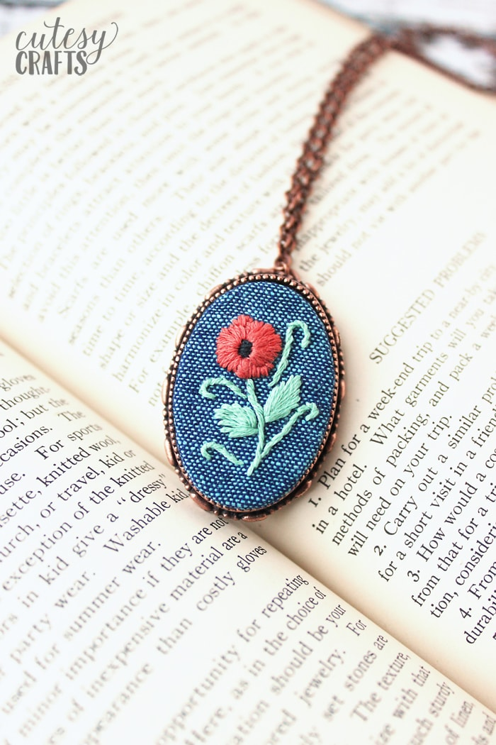 Embroidered Broach Frame