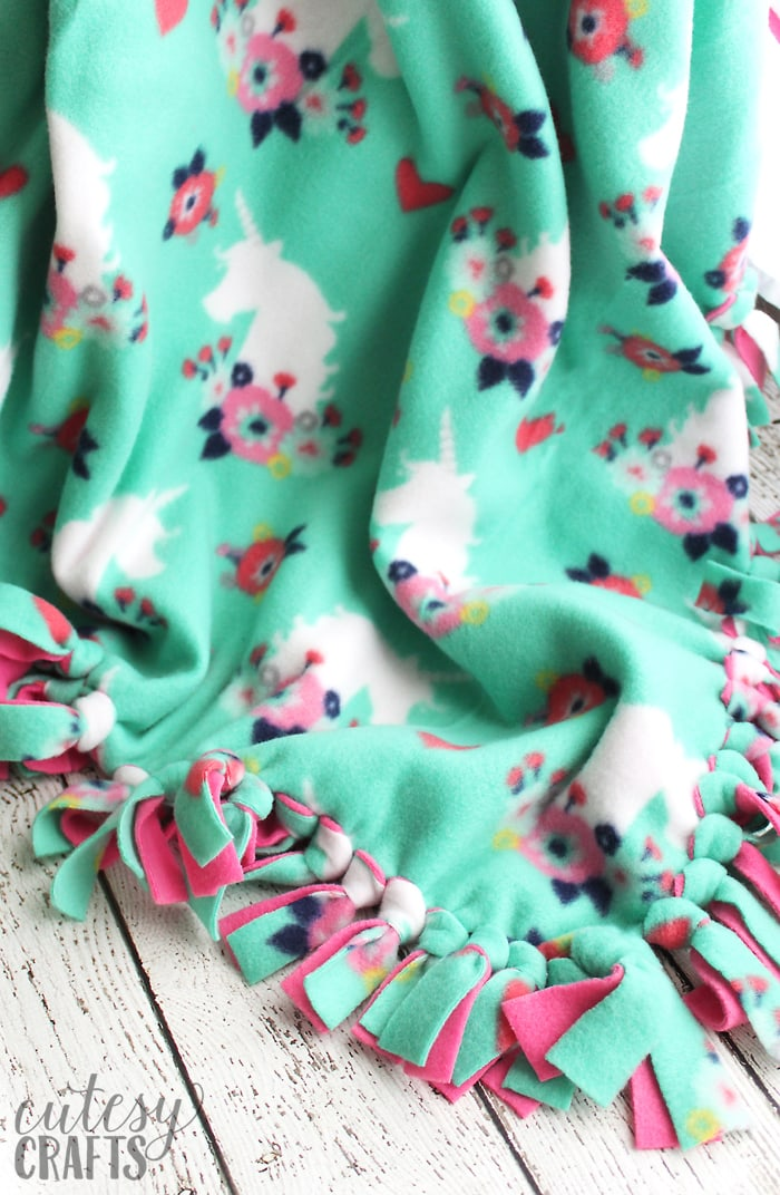 How To Make A Tie Blanket From Fleece Cutesy Crafts