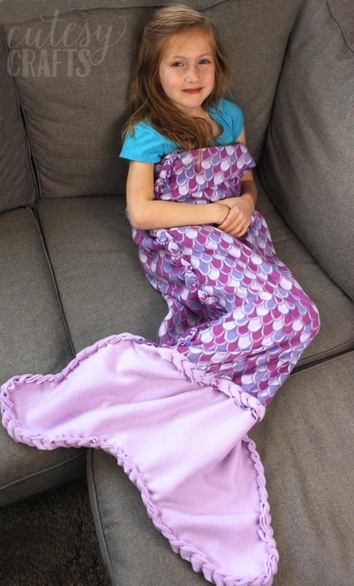 No-Sew Fleece Mermaid Tail Blanket Pattern and Tutorial