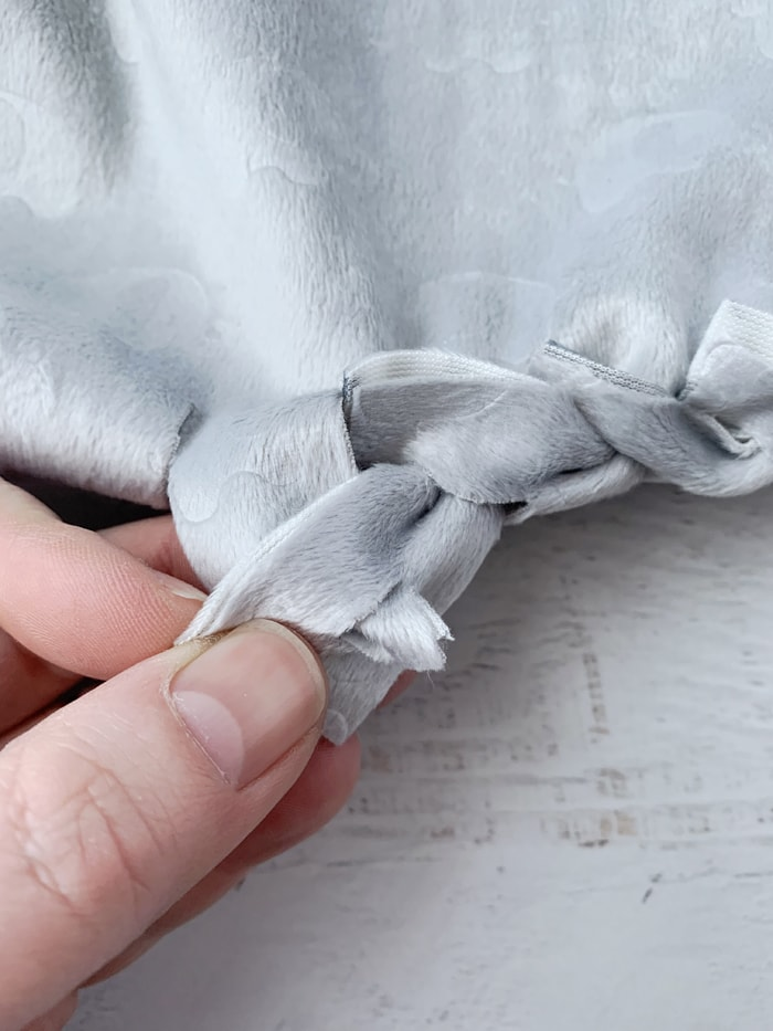 no-sew blanket without knots