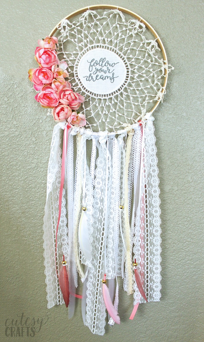 Embroidered Doily Dreamcatcher Tutorial