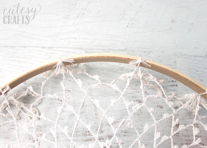 how to make a doily dreamcatcher