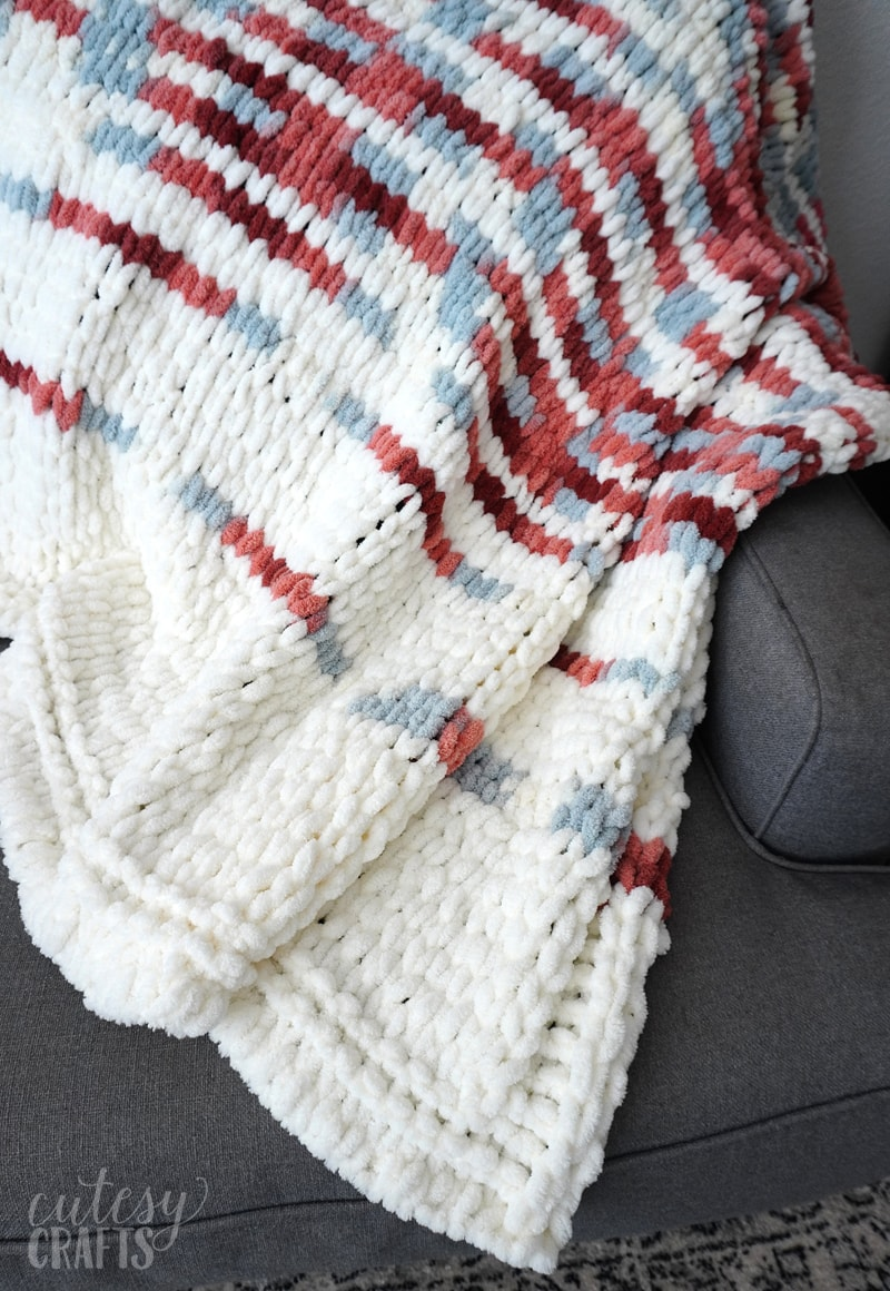 How to Make a Loop Yarn Blanket - No needles or hooks required!