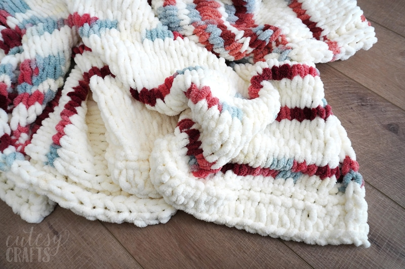 Easy Homemade Blanket Tutorials