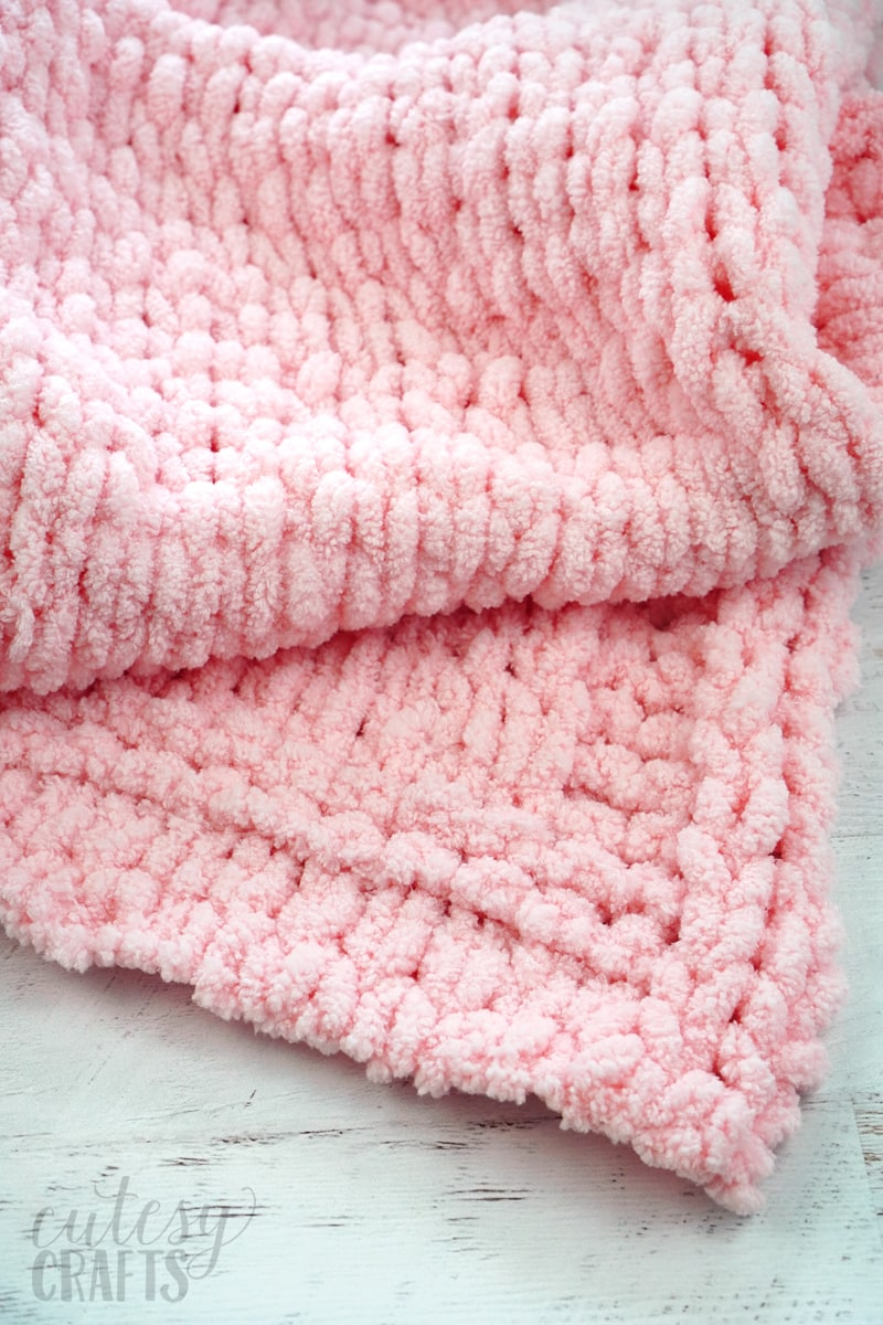 How to Make a Loop Yarn Baby Blanket