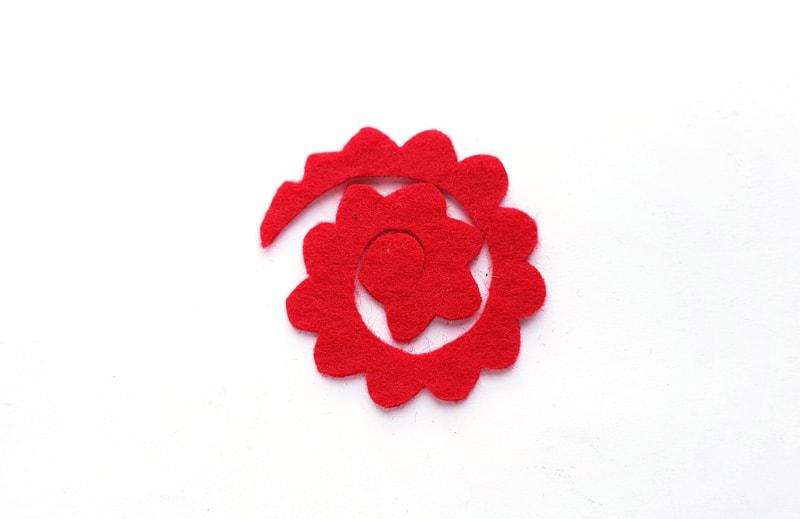 easy felt flower
