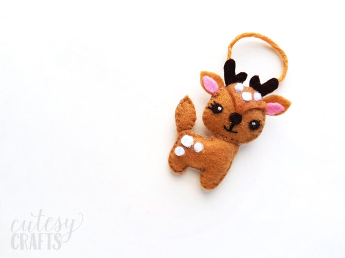 Felt Deer Christmas Ornament with Free Pattern