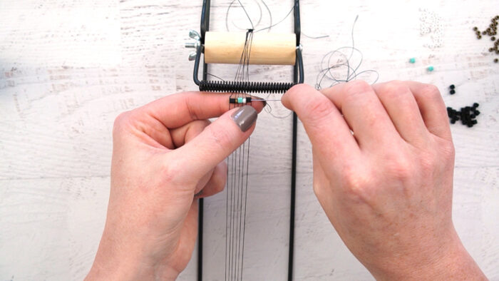 How to ue the Darice Bead Loom